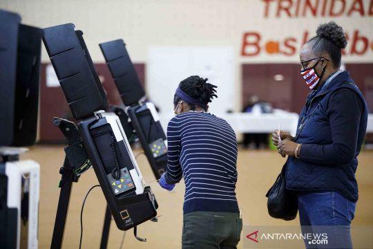 Pemungutan suara awal secara langsung digelar di Pemilu Amerika Serikat