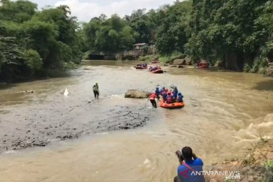 Wali Kota Bogor bersama OPD terkait susuri Sungai Ciliwung