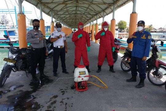 Gulkarmat semprot disinfektan untuk kenyamanan wisatawan Pulau Seribu