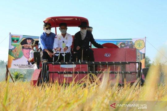 Stok beras capai 7 juta ton, Mentan Syahrul apresiasi kinerja petani