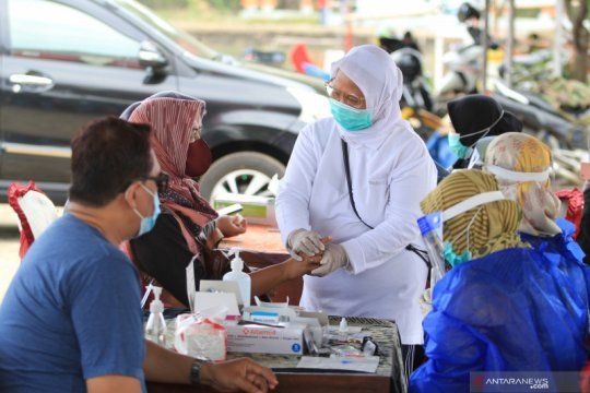 Jawa Barat gelar tes cepat COVID-19 di 54 titik tempat wisata