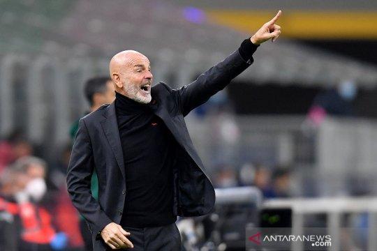 Stefano Pioli tak pikirkan soal rentetan nirkalah Milan