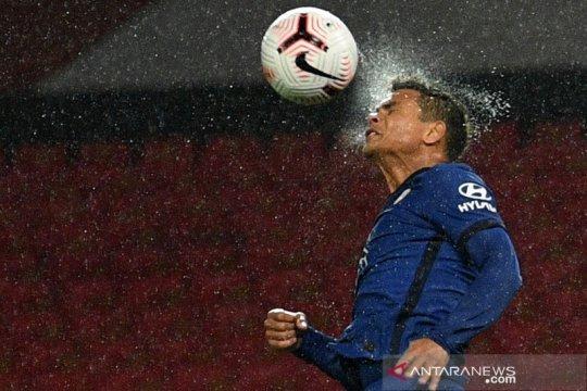 Lampard pastikan Thiago Silva bisa ikut melawat ke Burnley