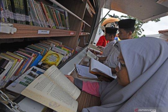 Peningkatan minat baca santri