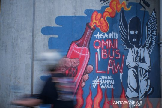 Anggota DPR sebut penyelenggara haji-umrah keluhkan pidana UU Ciptaker