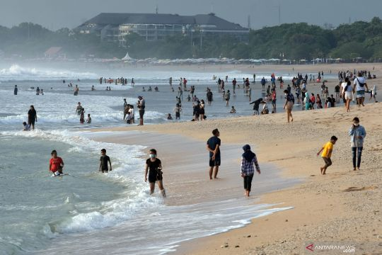 Pantai Kuta kembali ramai dikunjungi wisatawan