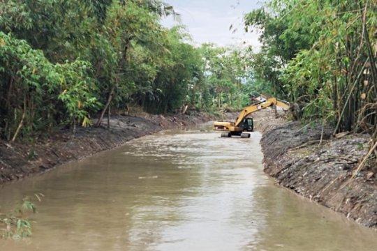 Antisipasi banjir, sungai di Pekalongan-Jateng dinormalisasi