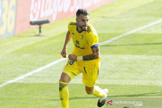Tim promosi Cadiz melompat ke posisi kedua klasemen Liga Spanyol