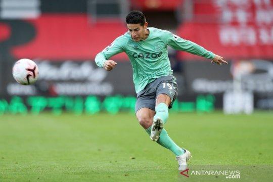 Rodriguez tidak perkuat Everton lawan Chelsea karena masalah betis