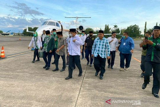 Kemarin, jet pribadi Suharso hingga Airlangga terkait UU Ciptaker