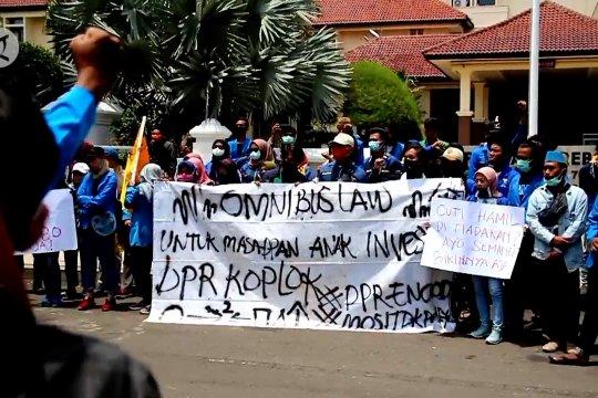 Demo kembali, DPRD - Pemkab Cirebon dukung sampaikan aspirasi penolakan Omnibus Law