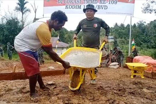 Satgas TMMD bangun jalan kampung di perbatasan Papua