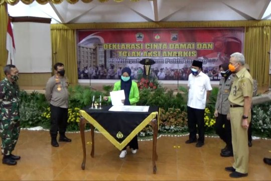 Gubernur Jateng apresiasi aksi tolak anarkisme