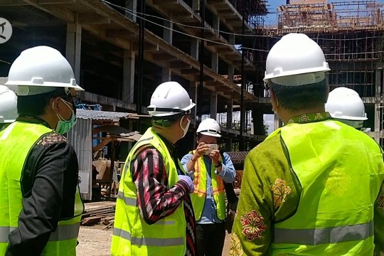 Gubernur Kalbar tinjau pembangunan gedung baru RSDr. Soedarso