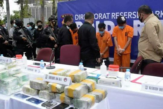 Polda Riau tangkap oknum perwira polisi pembawa sabu