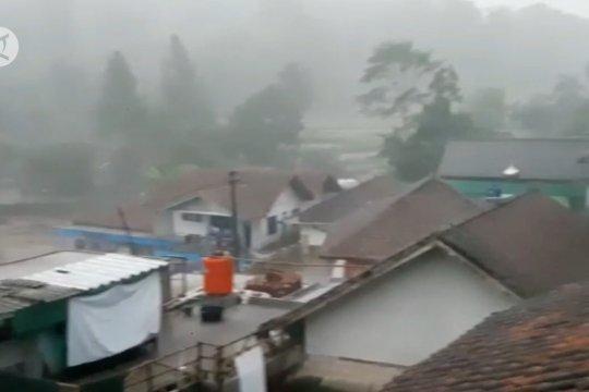 Waspadai La Nina, BMKG prediksi puncak musim hujan awal tahun
