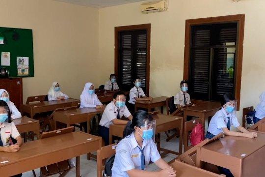 Jelang KBM tatap muka, 2 sekolah di Solo adakan simulasi
