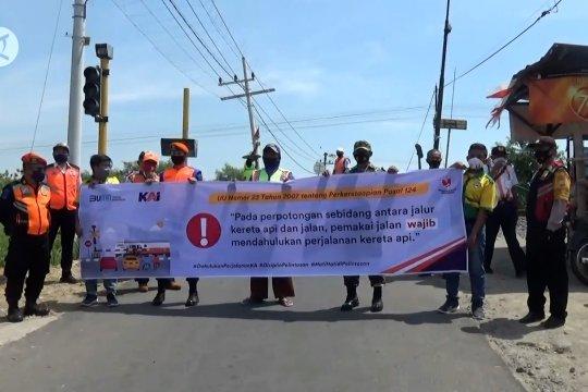 Rawan kecelakaan, PT KAI sosialisasikan keselamatan di perlintasan