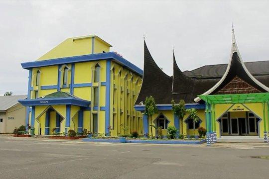 COVID-19 melonjak, Sumbar pertimbangkan Asrama Haji Padang jadi tempat isolasi