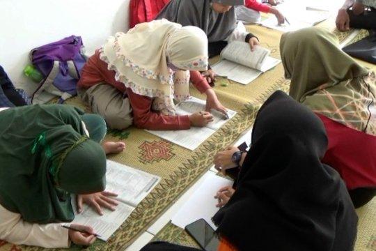 Gerak Semut, bimbel gratis dengan tutor sebaya