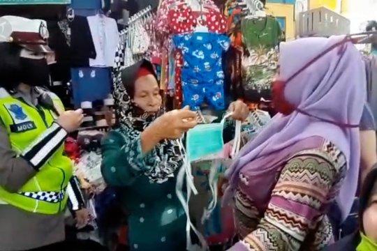 Satgas pantau disiplin protokol kesehatan di pasar tradisional