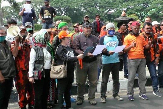 Arek Malang serukan aksi damai penolakan UU Cipta Kerja