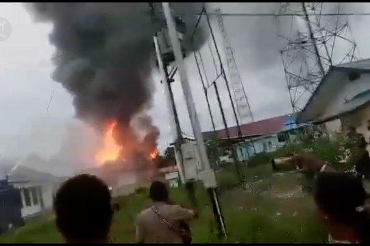 Massa rusak Kantor Bupati Keerom Papua usai pengumuman CPNS