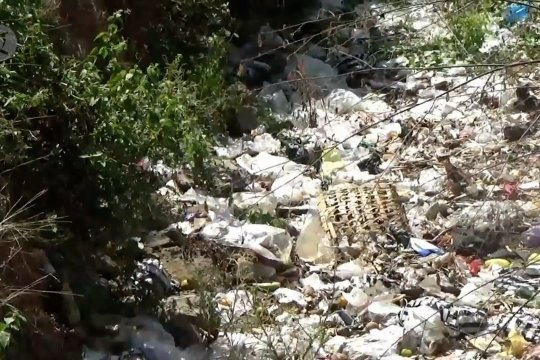 Sungai di Madiun dipenuhi sampah popok