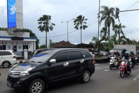 Antisipasi kemacetan panjang, Satlantas Polres Pandeglang berlakukan sistem satu arah