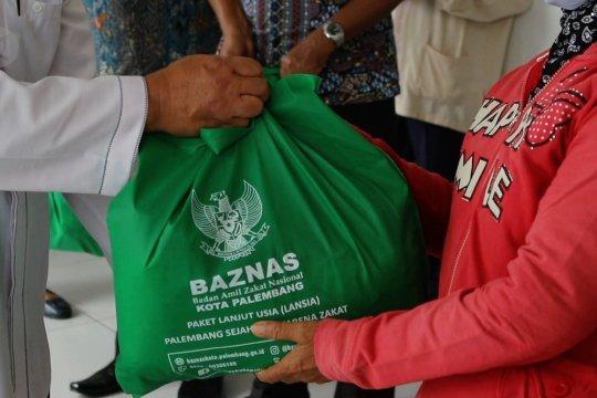 Baznas Palembang salurkan ratusan paket sembako untuk lansia saat pandemi