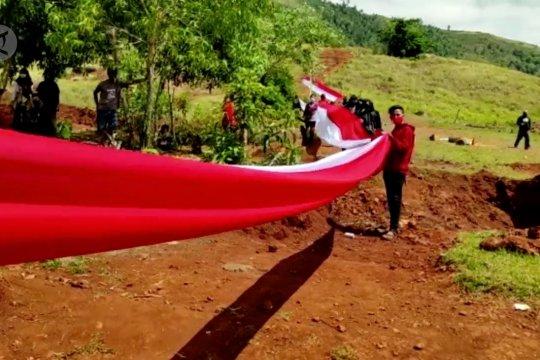 Bendera Merah Putih sepanjang 200 meter membentang di Konawe