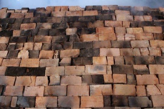 Penjualan batu bata di Palembang meningkat saat pandemi