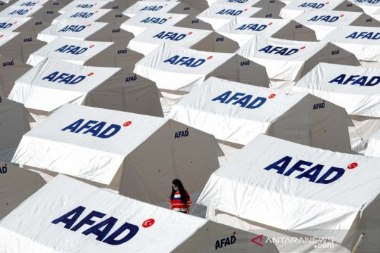Tenda bagi pengungsi gempa bumi di Turki