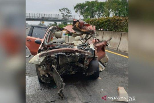 Polisi sebut 2 orang tewas dalam kecelakaan di Tol Purbaleunyi