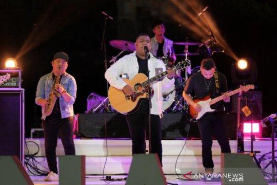 Merindu malam Senin ala Andmesh di Prambanan Jazz