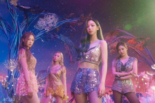 "aespa, grup baru SM bakal debut lewat ""Black Mamba"""