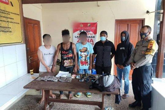 Tiga pengedar ganja ditangkap tim gabungan TNI-Polri
