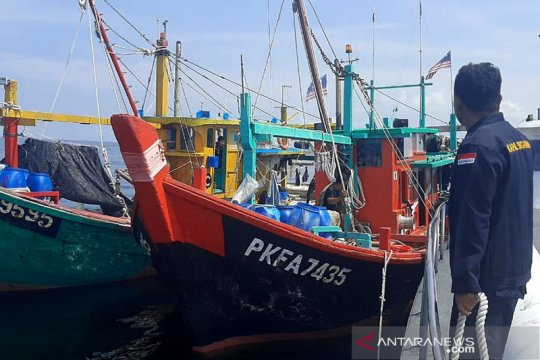 Politik kemarin, kapal Malaysia ditangkap hingga hoaks pesawat jatuh