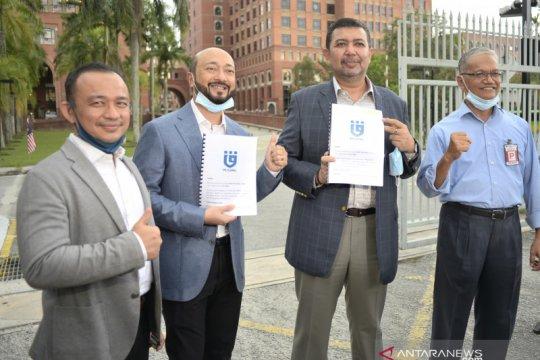 Mantan menteri pendidikan Malaysia keluar dari partai Mahathir