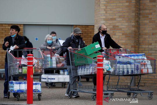 Inggris berlakukan lockdown nasional, warga borong kebutuhan sehari-hari