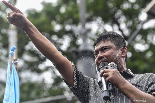 Buruh Jakarta minta kenaikan UMP 2021 berlaku untuk seluruh perusahaan