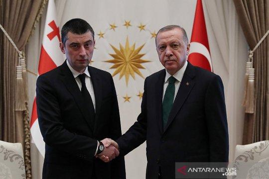 Polisi Georgia serbu kantor partai oposisi, tahan pemimpinnya