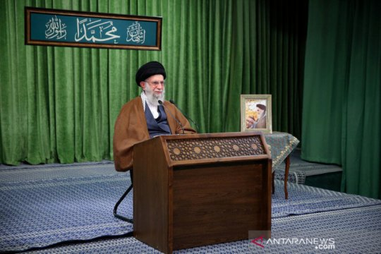 Khamenei tegaskan Iran berhenti kembangkan nuklir jika AS cabut sanksi