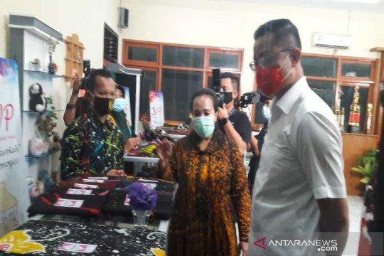 Mensos borong batik ciprat karya disabilitas intelektual di Temanggung