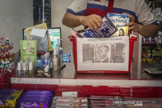 Aksi boikot produk Prancis di pasar swalayan kecil