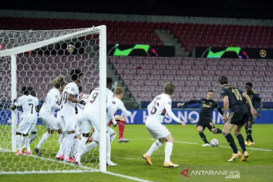 Dusan Tadic cemerlang bawa Ajax menang 2-1 atas Midtjylland
