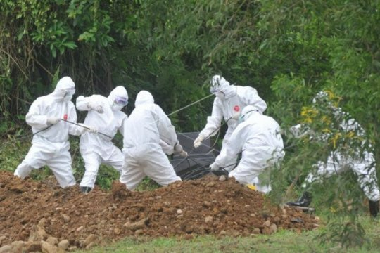 Sembilan jenazah dipindahkan dari pemakaman  COVID-19 Bungus Padang