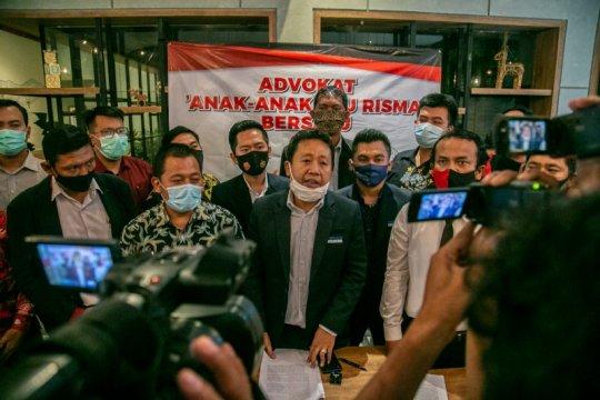 65 advokat di Surabaya bersatu membela Wali Kota Risma