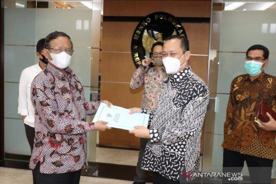 Komnas HAM serahkan hasil investigasi Intan Jaya ke Menko Polhukam