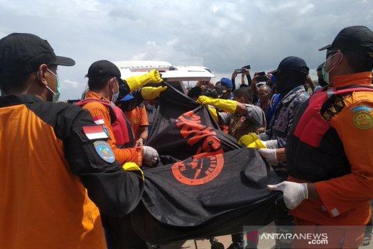 Tim Basarnas evakuasi jenazah nelayan hilang di Aceh